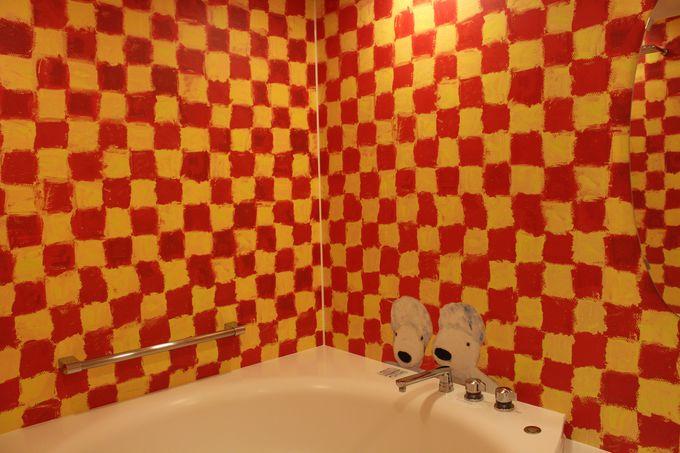 リサルームはビビッドな赤&黄色!
