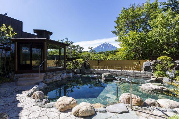 富士山が目の前!山梨「富士眺望の湯 ゆらり」で16種類の温泉を楽しむ