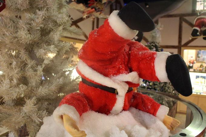 6メートルのクリスマスツリーやあわてんぼのサンタさんも