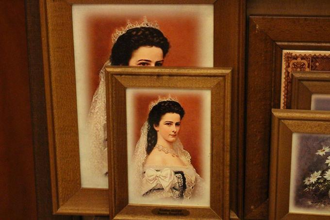 オーストリア皇后でハンガリー皇妃、美貌で有名なエリザベート