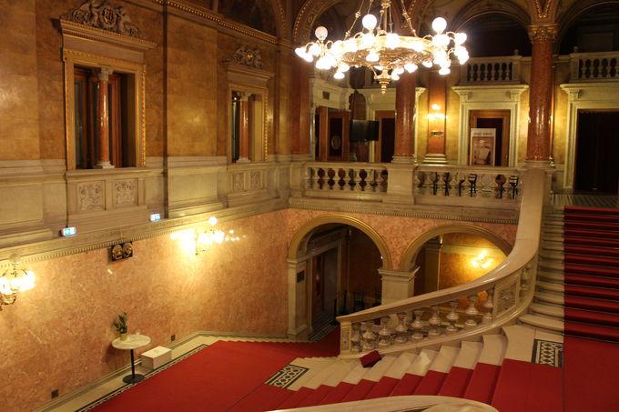 国立歌劇場には専用席も「シシィロージェ」