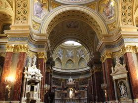 ブダペストで見たい豪華教会!聖人の右手や欧州一のシナゴーグも