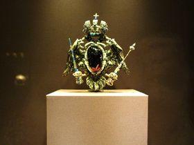 皇帝の帝冠に金の十字架!ウィーン「王宮宝物館」は一流品だらけ