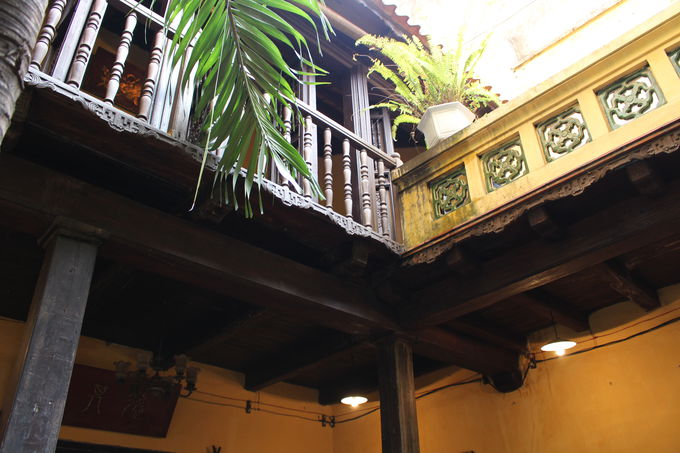 2階にはリビング、仏間、寝室など