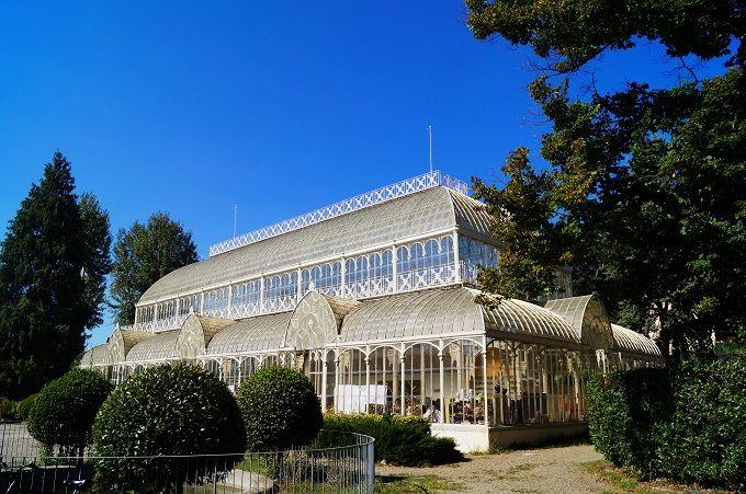 ガラス張りの温室がシンボルのオルティクルトゥーラ庭園