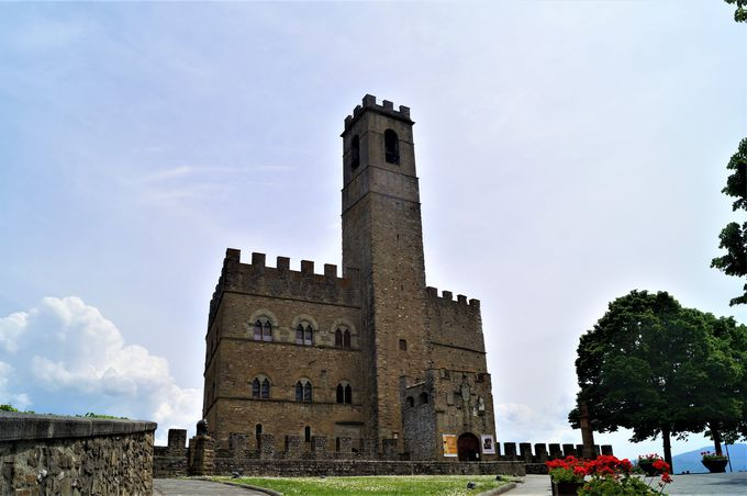 「イタリアの最も美しい村」の一つポッピ