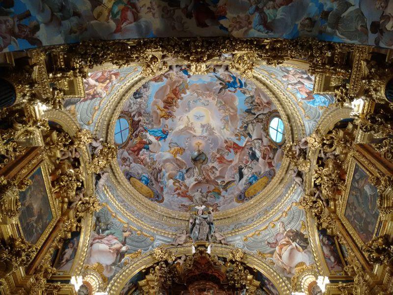 豪華絢爛スペイン・グラナダの「ラ・カルトゥハ修道院」