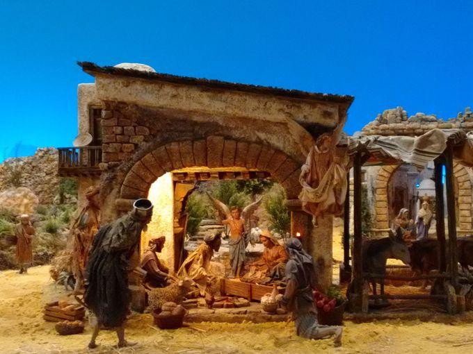 ベレン!クラシックで典型的なスペインのクリスマス飾り