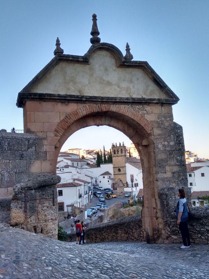 ビエホ橋&フェリペ5世のアーチ、シハラの城壁