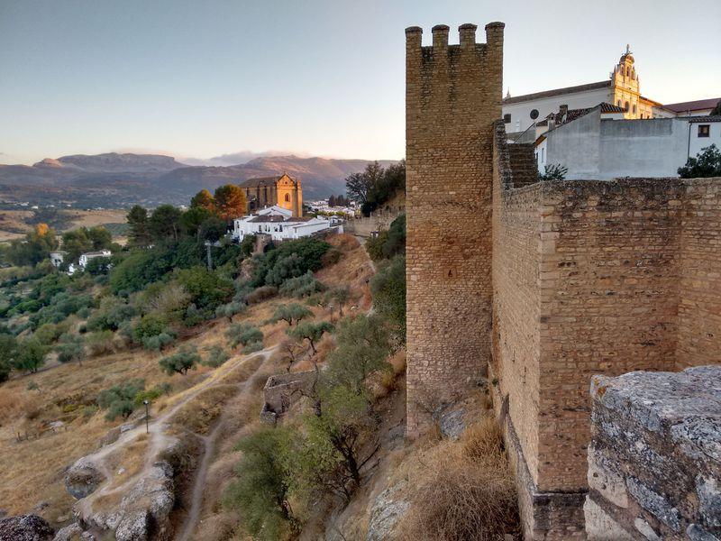 スペイン「ロンダ」フォトジェニックな絶壁の村