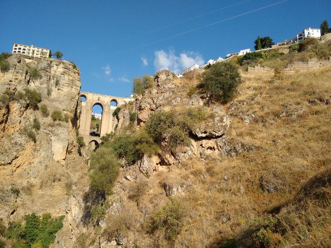 ヌエボ橋!下から見上げても上から見下ろしてもインスタ映えの絶景