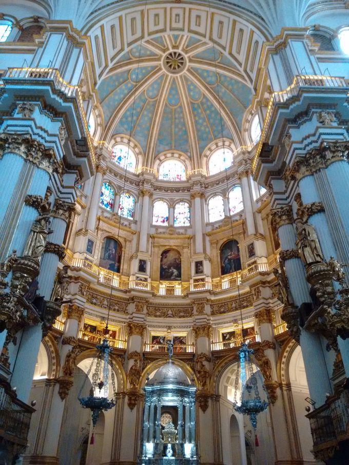 レコンキスタで有名なカトリック両王ゆかりの地「カテドラル&王室礼拝堂」