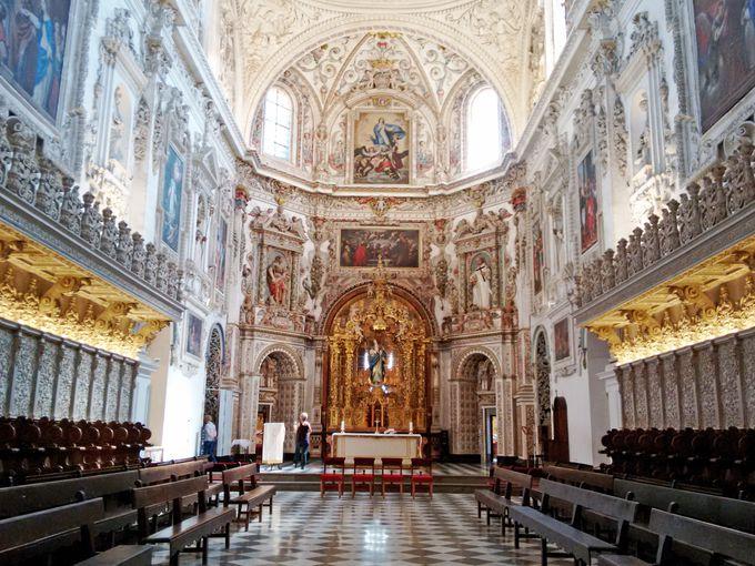 修道院は質素じゃない?「サン・ヘロニモ修道院&ラ・カルトゥハ修道院」