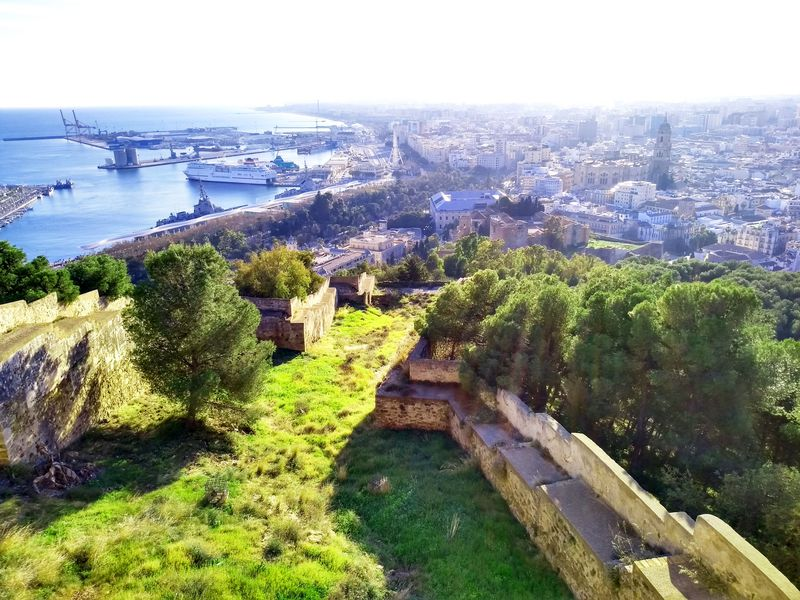 マラガの二大アラブ遺跡から絶景を!アルカサバとヒブラルファロ城