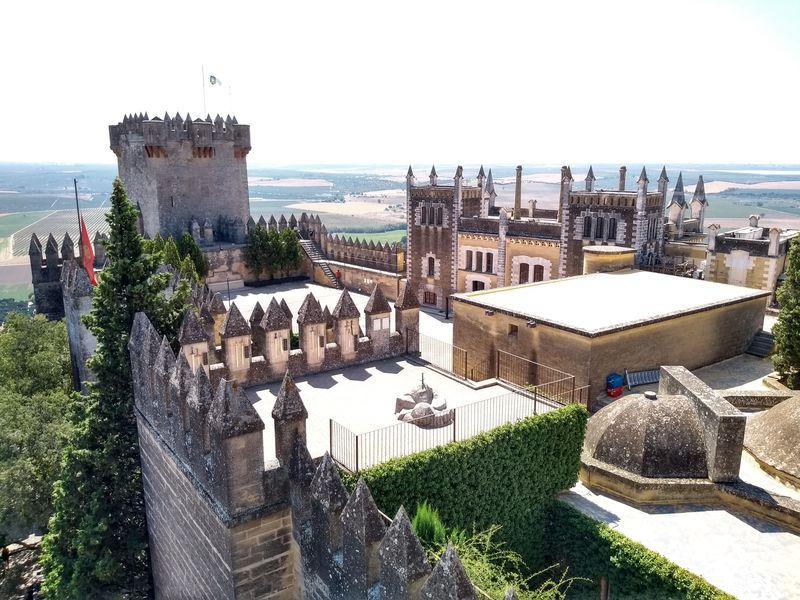ゲーム・オブ・スローンズのロケ地!スペイン「アルモドバル城」