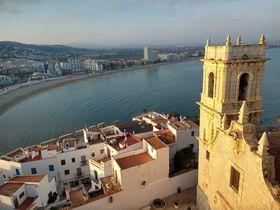スペインの地中海沿岸の小さな美村「ペニスコラ」