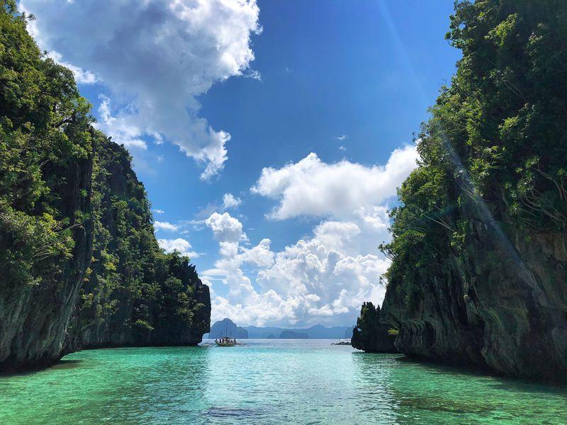 フィリピンのおすすめ絶景スポット10選 秘境に歴史的スポットも!