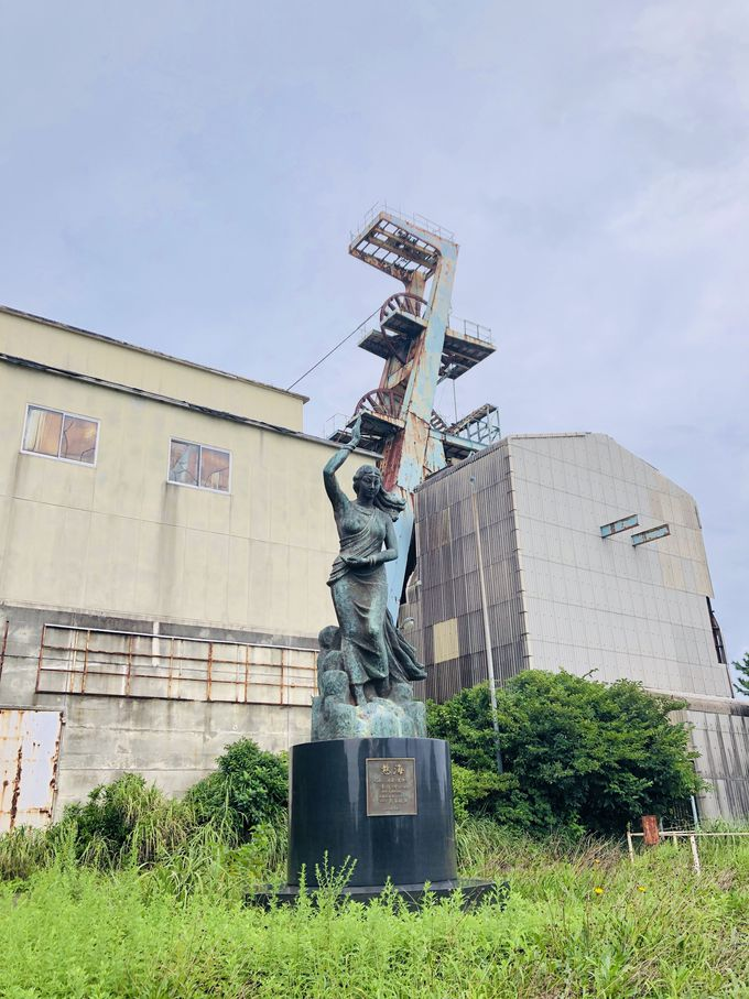 作業員の安全を見守る女神像