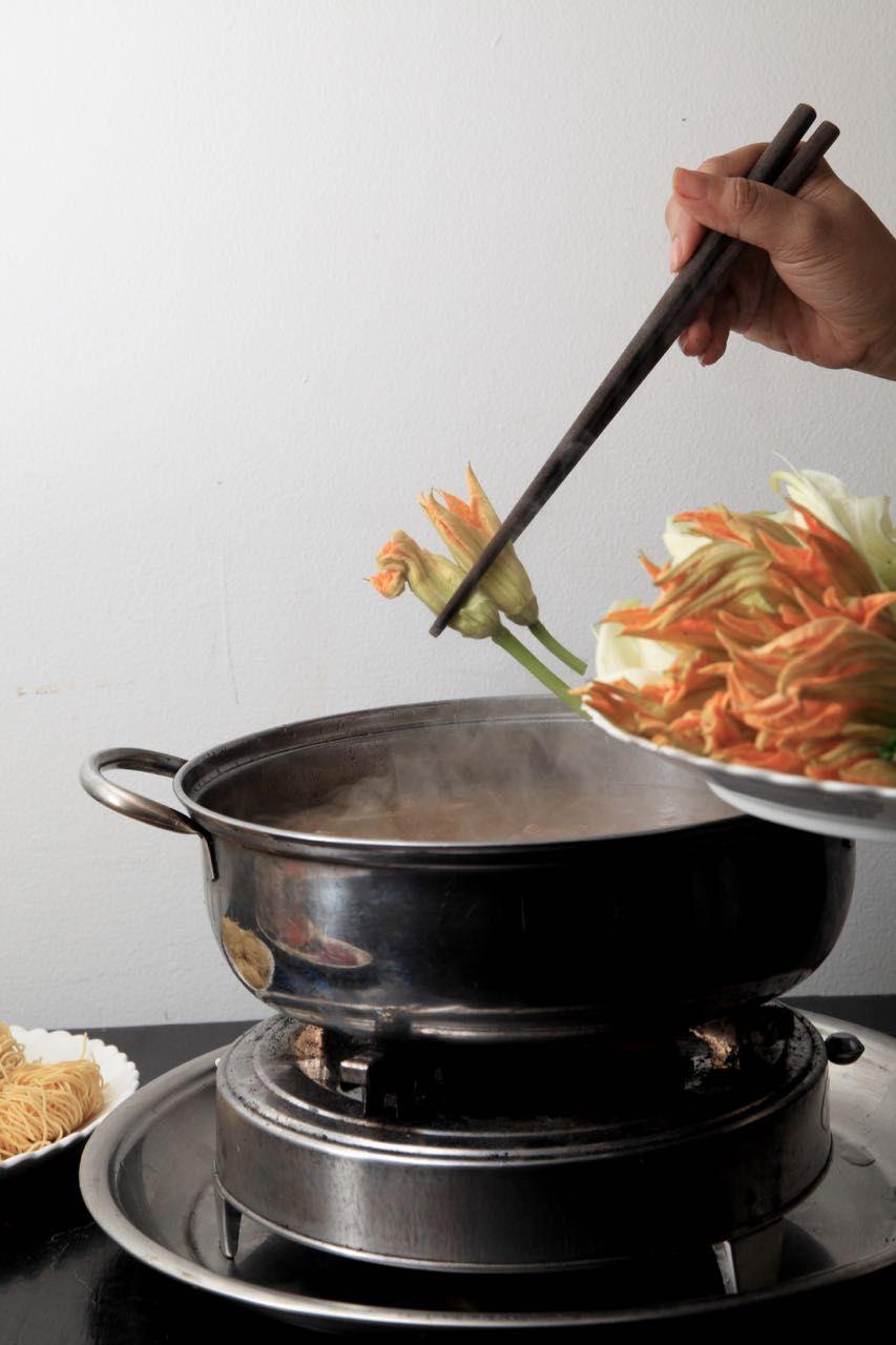 2日目昼食:「花鍋」でインスタ映え!中からも綺麗に