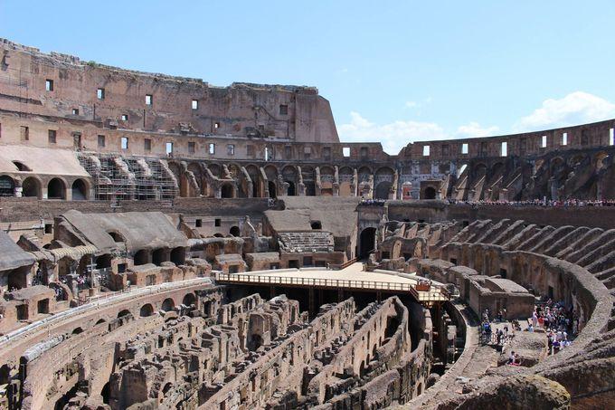 古代ローマの象徴的な円形闘技場「コロッセオ」