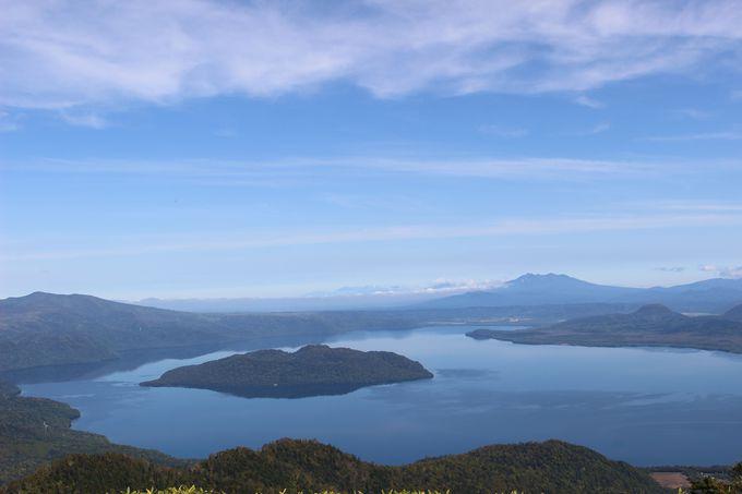 峠から、ふもとから……さまざまな角度から楽しめる「屈斜路湖」