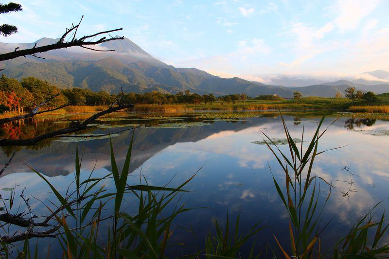 """澄んだ青が美しい! 今の季節こそ""""道東""""の湖を見に行こう"""