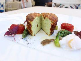 コロッセオを一望!ローマで1番贅沢なレストラン「アローマ」