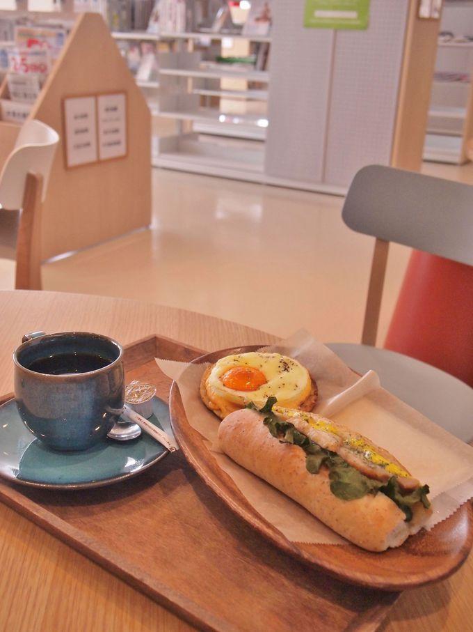 2つのインショップ「としょパン」と「ブックスキューブリック」がオシャレ
