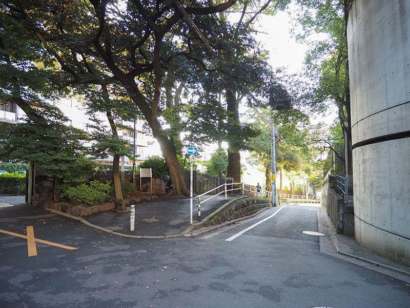 隠れ史跡スポット東京「代官山」目切坂で富士山を&上村坂で昭和の大スターを想う