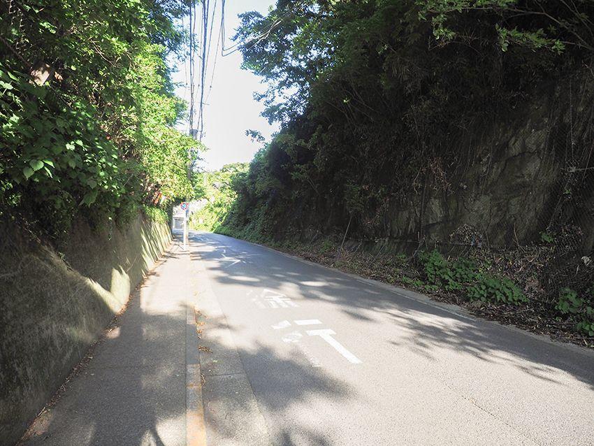 鎌倉七切通しのひとつでもある極楽寺坂