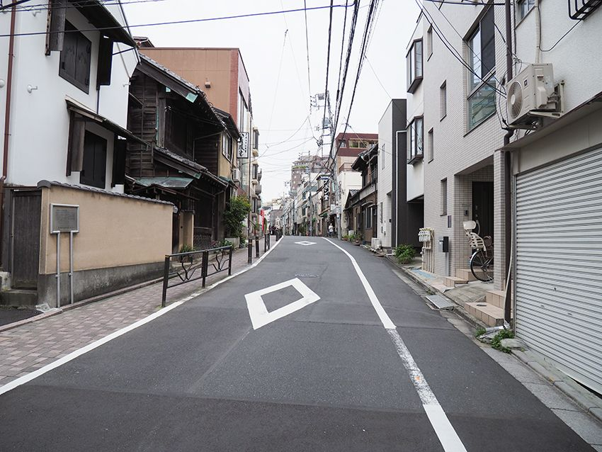 樋口一葉に宮沢賢治など文学者とも縁深い東京・本郷の菊坂めぐり