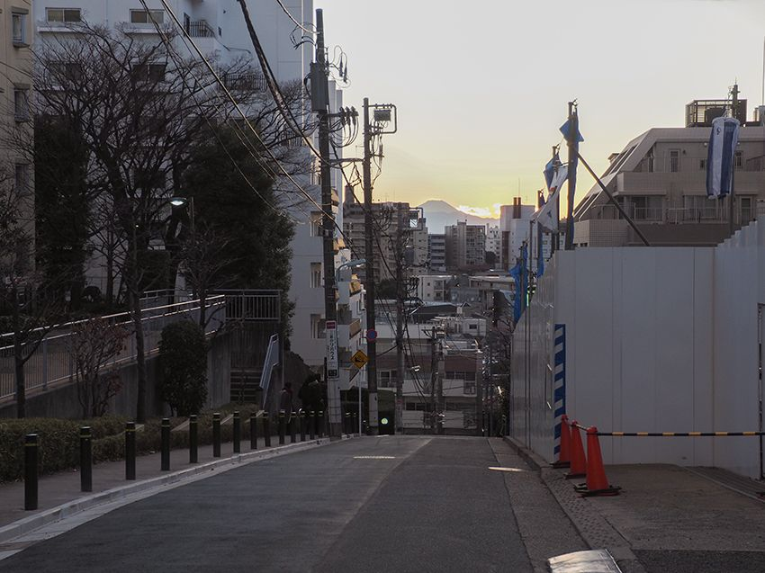 都心部で唯一富士山が綺麗に見える坂道!東京・目黒の富士見坂