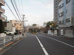 東急東横線代官山駅前にある代官山坂と界隈名所めぐり