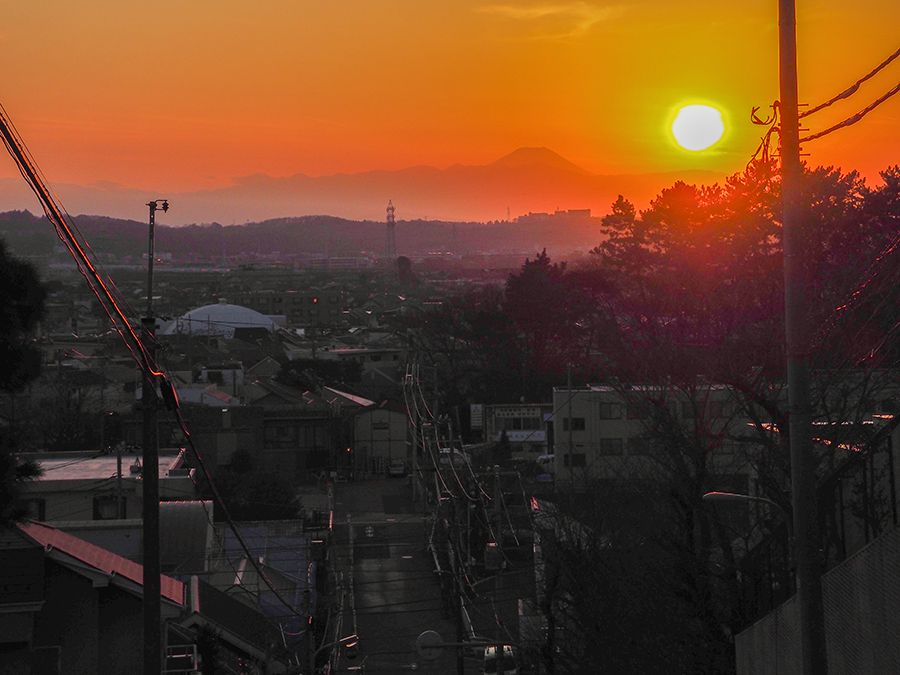 日没後でも富士山は見えます