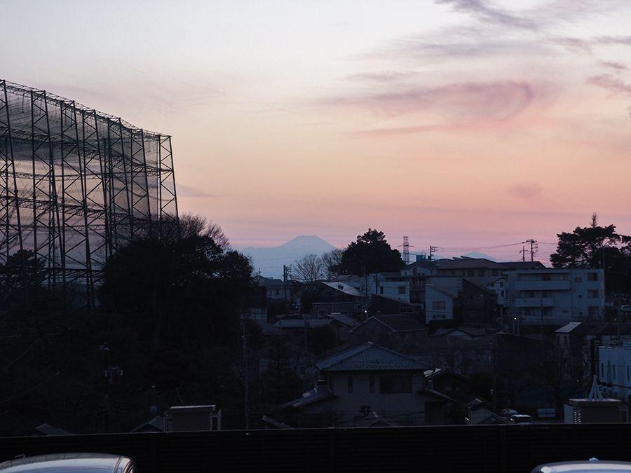 周辺にも富士山がみえる坂道あり