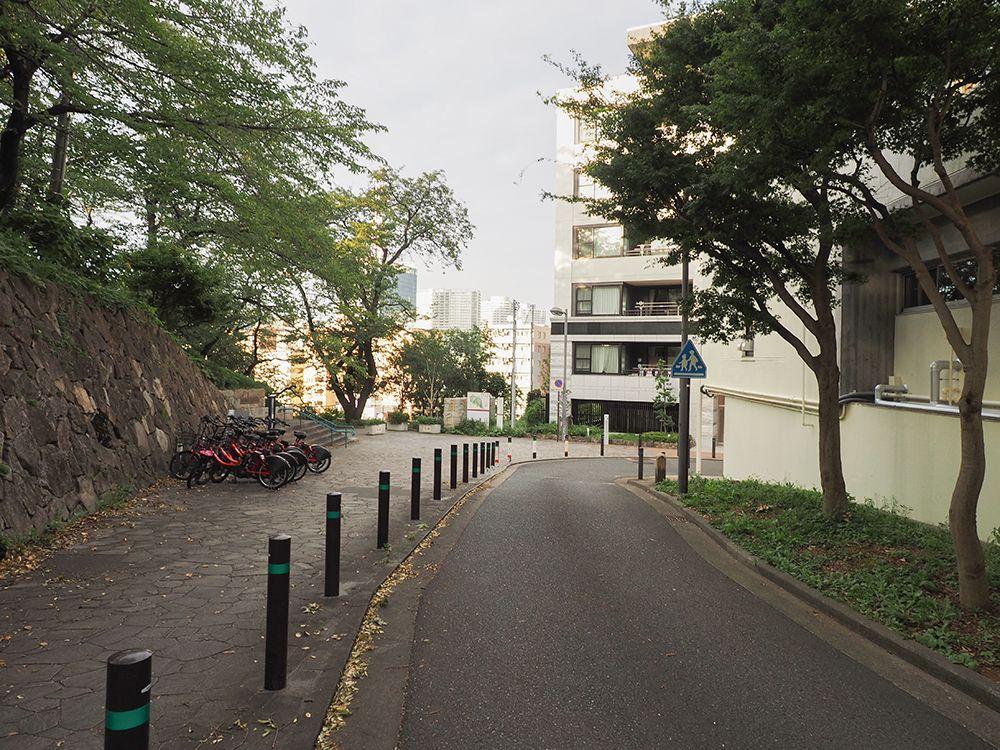 横浜能楽堂や掃部山公園界隈も坂道だらけ
