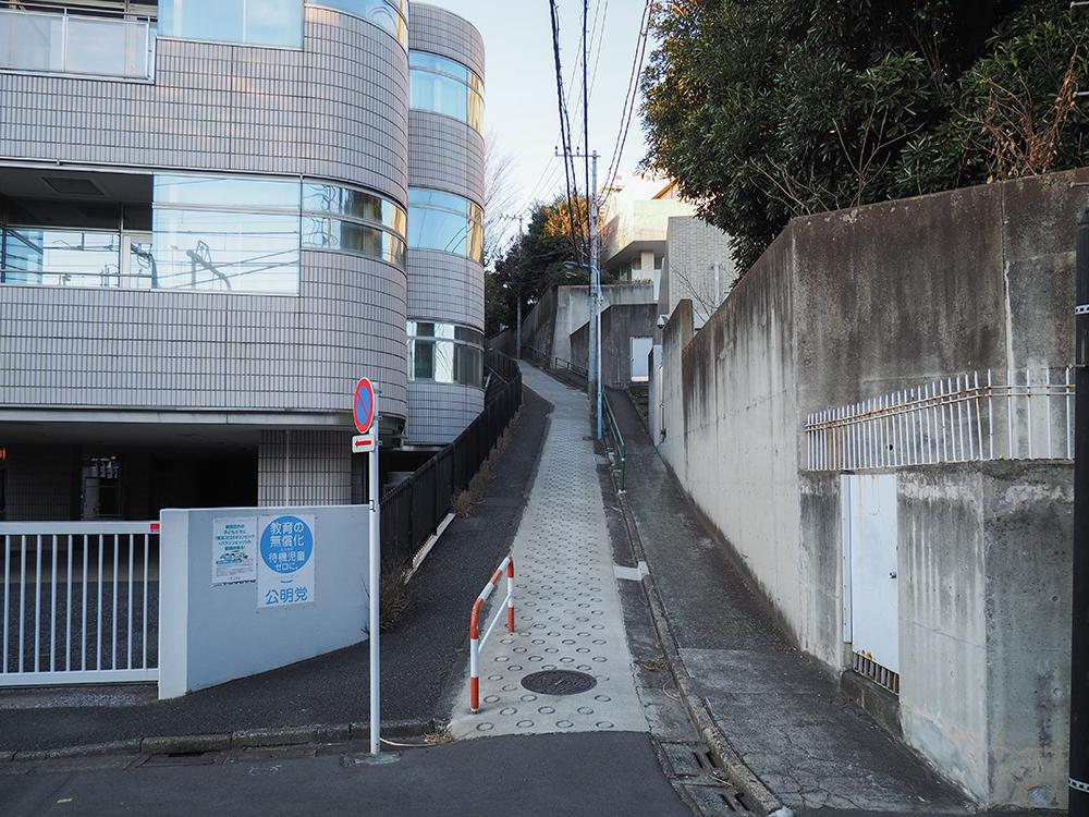JR信濃町駅界隈の地形と坂道