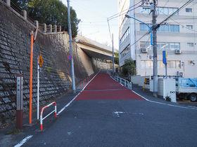 明治神宮外苑すぐ!起伏に富む信濃町駅前の千日坂、安鎮坂めぐり