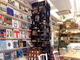 大阪・靱公園近くの「INTERIOR BOOKWORM CAFE」でハイセンスなインテリアに触れる