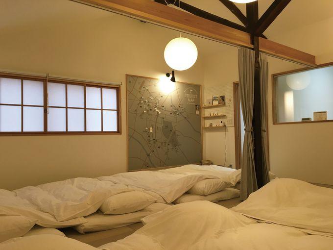 8人寝れる和室には秘密の観光MAPが!
