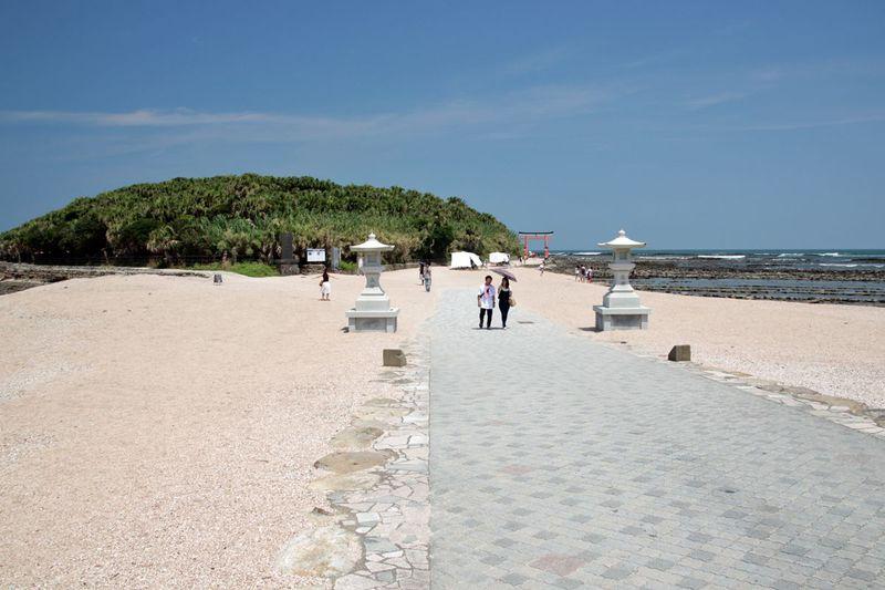 南国宮崎の象徴「青島」 亜熱帯植物の茂る神話伝承の島