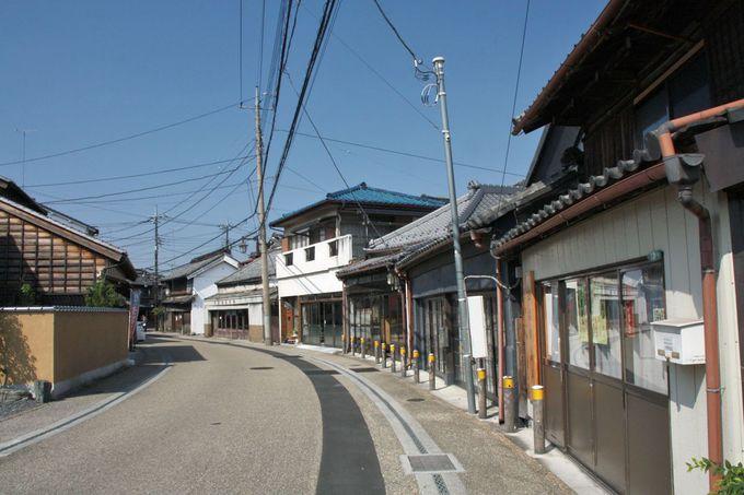 重要伝統的建造物群保存地区に選定された「嘉右衛門町通り」も必訪!