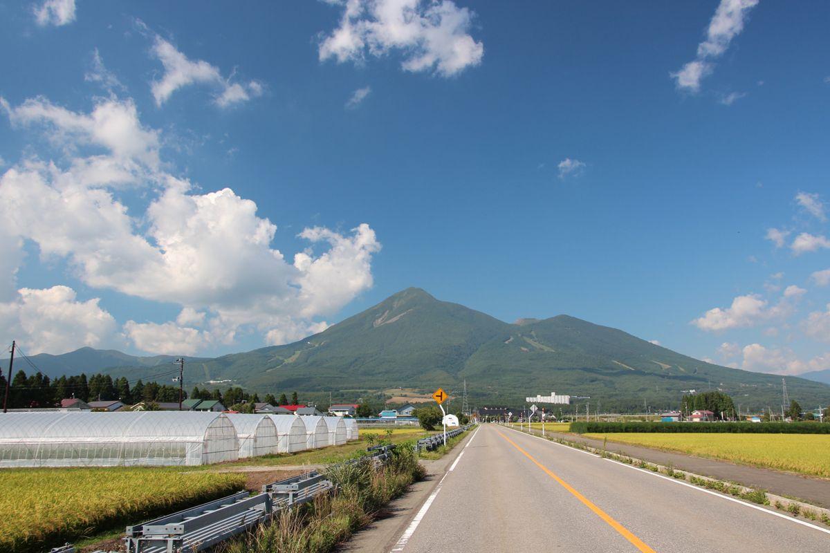 「磐梯山牧場」の蕎麦畑からの雄大な景観を楽しもう!