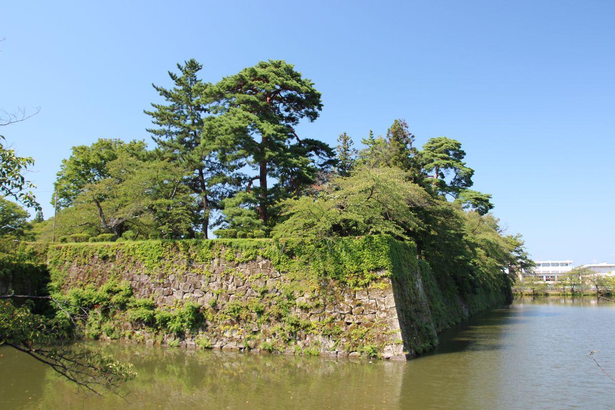 会津若松観光なら、やはり鶴ヶ城は外せない