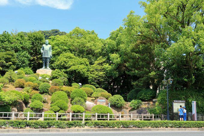「中央公民館前」交差点周辺は鹿児島観光の中心