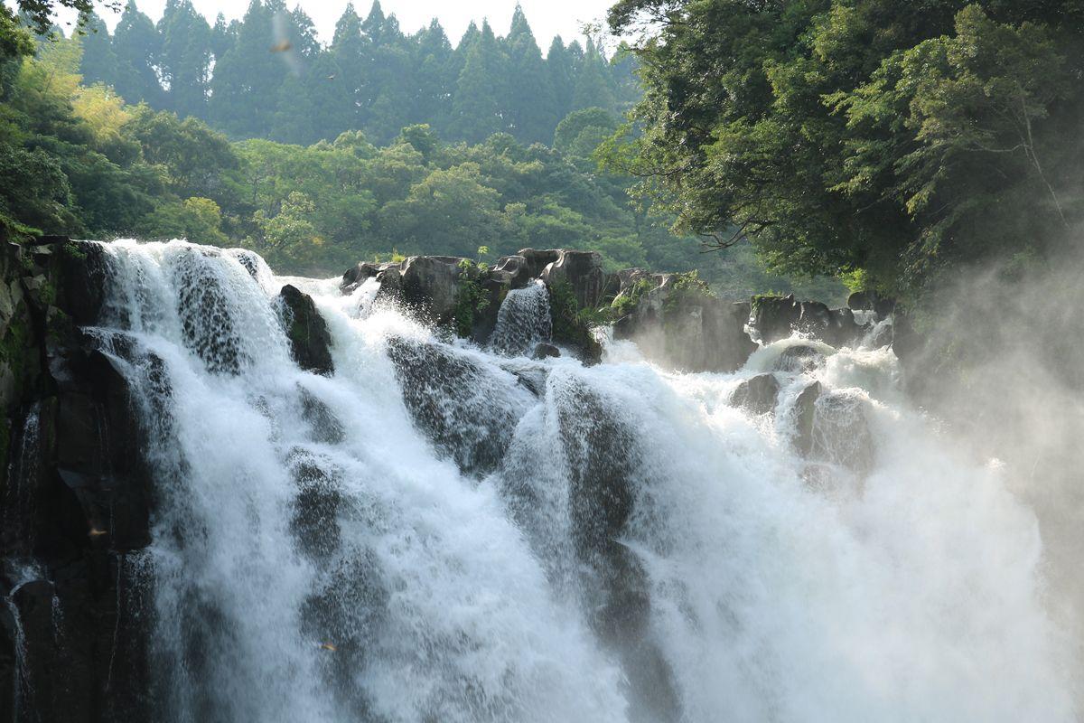 「三連轟」と「関之尾滝」、近くの滝も併せて見ておこう