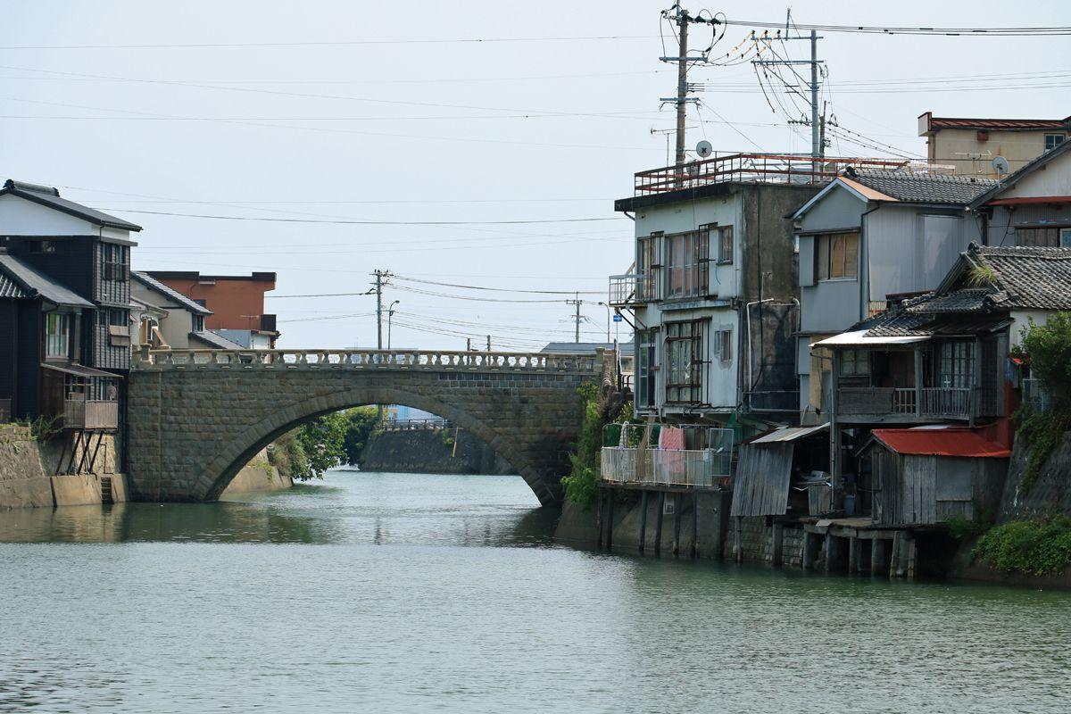 堀川と石橋が郷愁を誘う!昭和の風情漂う日南市「油津」観光