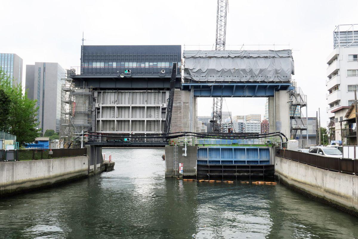 「大島川水門」に注目の越中島連絡橋