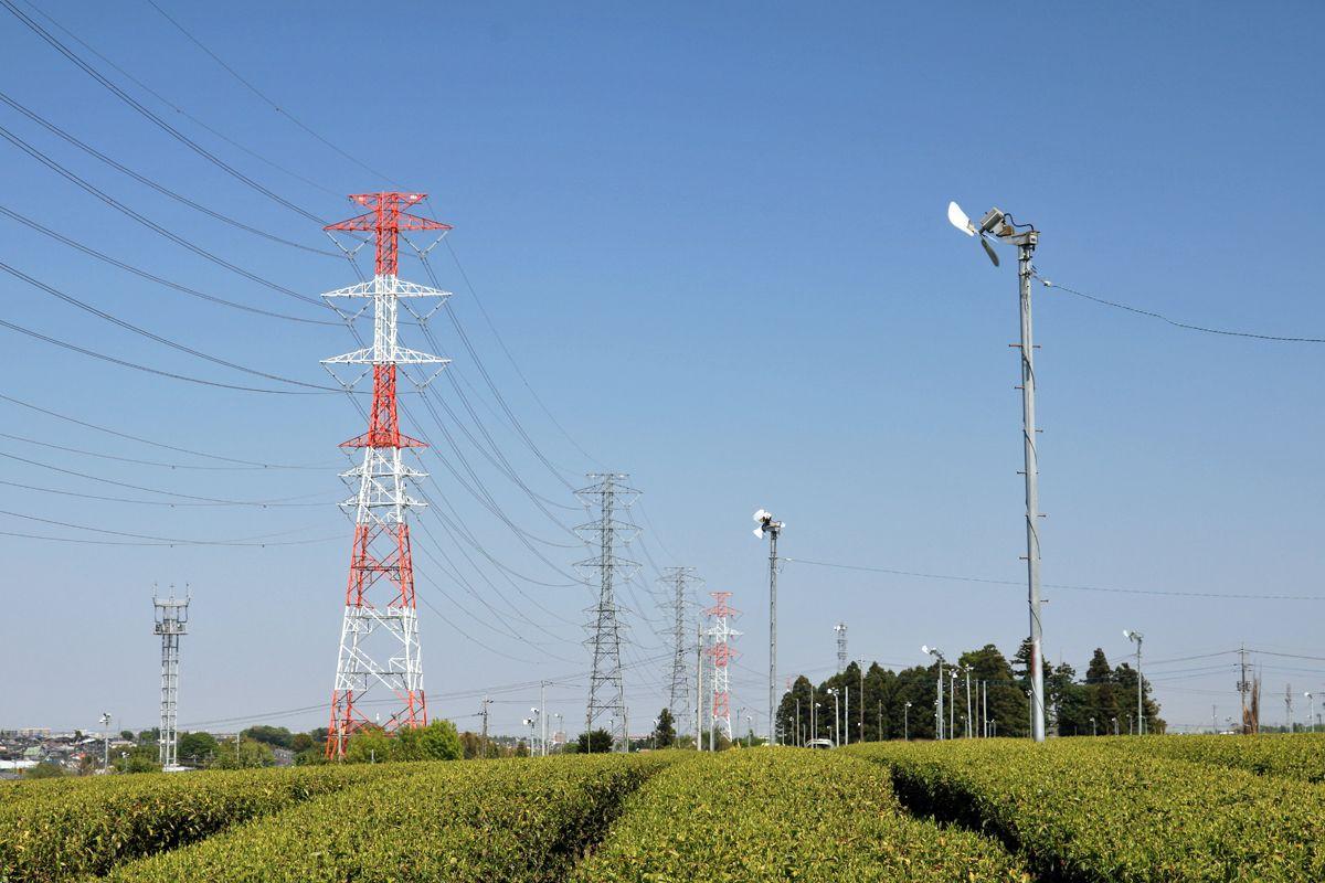 「送電ファン」にはお馴染み、送電鉄塔が並ぶ名所!