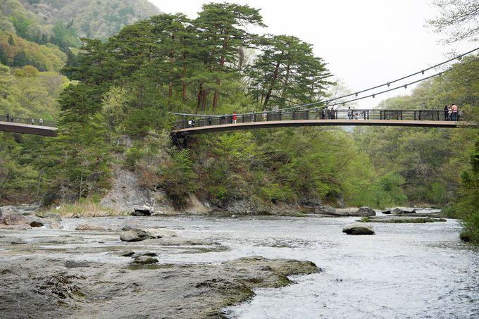 橋の上から眺める「千畳敷」が雄大!